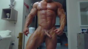 Muscle Hunk with Big Penis Vecchi Mattia