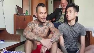Barebackin' Thai Fucker